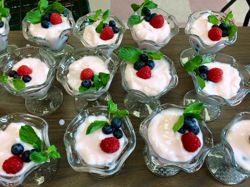 Fresh Yogurt Parfait