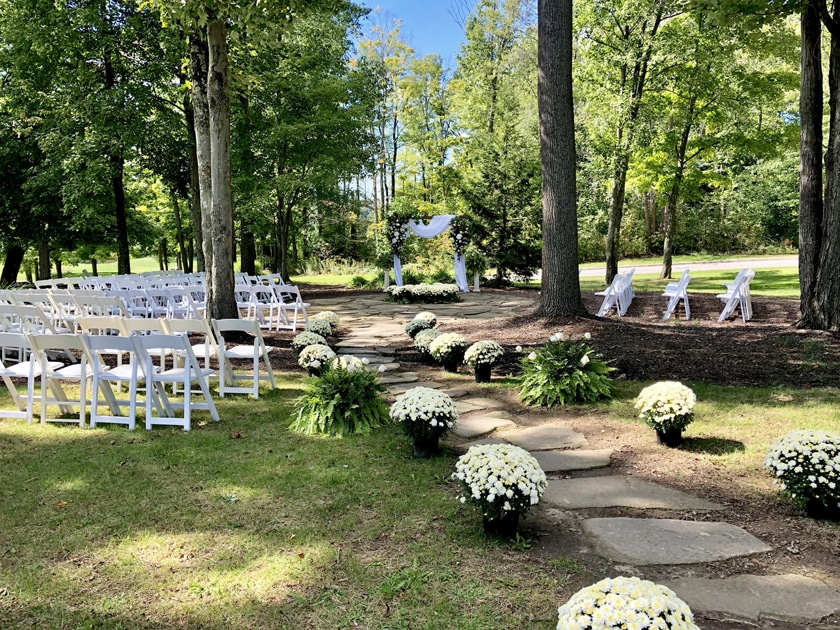 20 Ideas for Your Cleveland Backyard Wedding